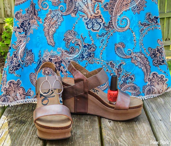 Sleeveless Turquoise Sheath Dress